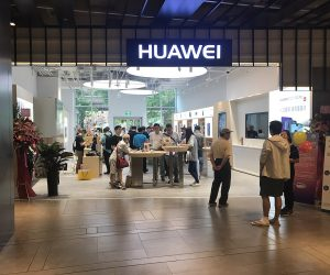 UK mobile carriers are working with Huawei to build 5G networks, despite security fears