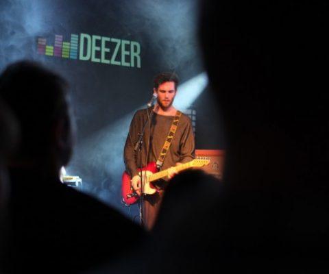 Deezer to host Code in the Dark, Carlsberg & AlloResto will pick up the tab!