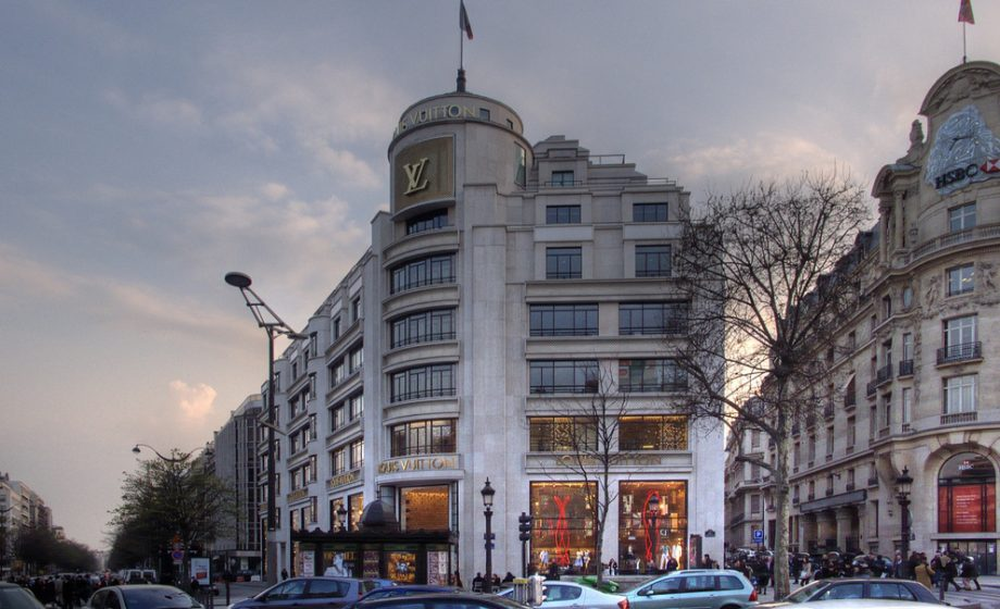 Derrière LVMH, l'industrie du luxe se numérise