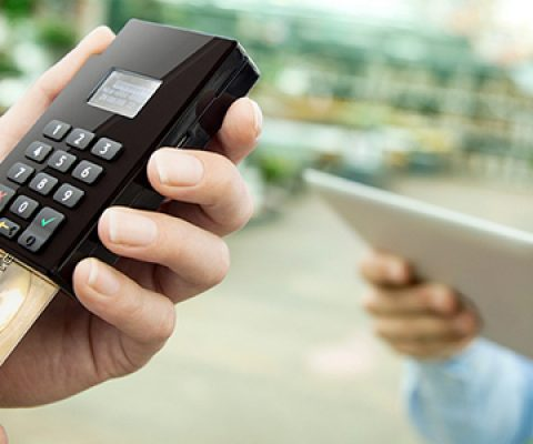 Adyen brings its global payments solution in stores with POS to blend online & offline