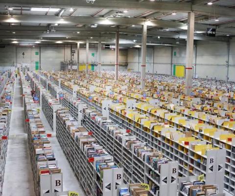 Coronavirus: la justice pousse Amazon France à fermer pendant une semaine