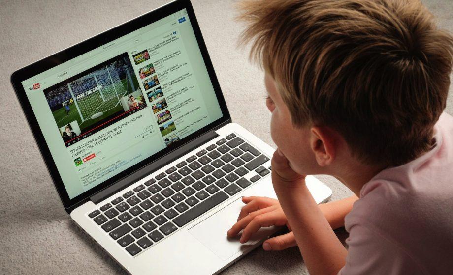 YouTube accusé de collecter des données d'enfants