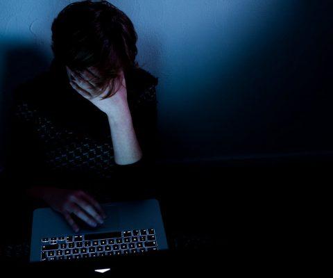 Cyberharcèlement de meute: première condamnation choc en France