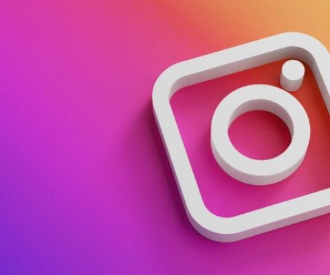 Instagram : la Défenseure des Droits face à la discrimination et la modération