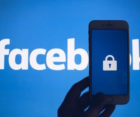 Facebook stockait des mots de passe en clair