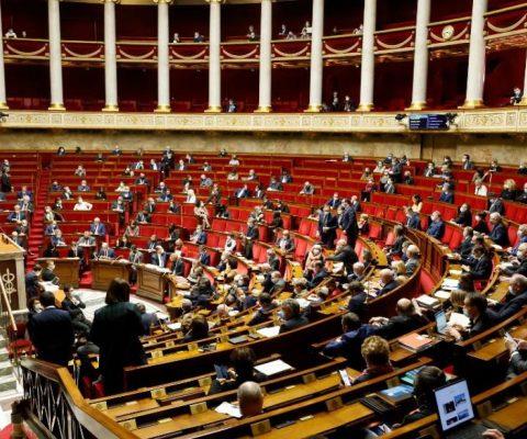 France: demander des images pornographiques à un mineur sera passible de 7 ans de prison