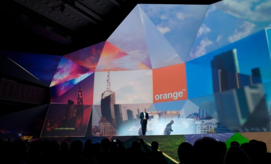 Orange's launch show 'Hello' puts connected objects front and center