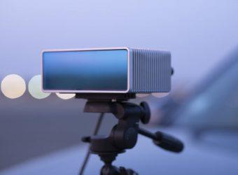 Des caméras pour détecter la composition chimique : idéal pour la conduite autonome !