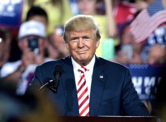Taxes douanières: Trump donne un répit aux produits hi-tech
